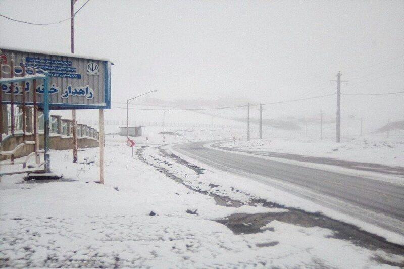بارش برف در محور اسالم به خلخال