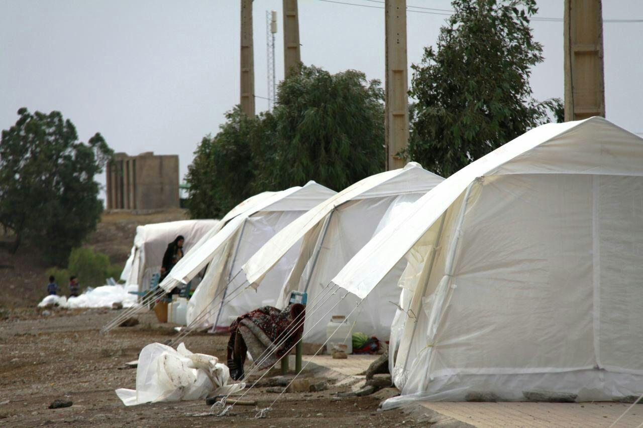 سومین محموله امدادی استان بوشهر به مناطق زلزله زده سی سخت ارسال شد